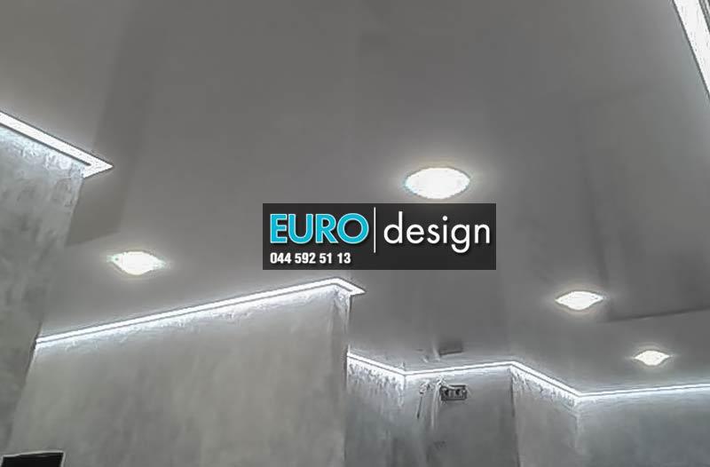 Натяжной потолок с контурной подсветкой,